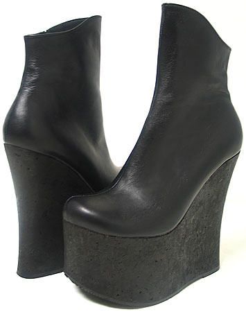 Renet Platform Wedge Boot - Black Leather / Black Platform